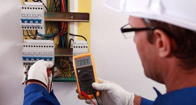 thợ sửa điện nước