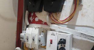 thợ lắp đặt đồng hồ điện